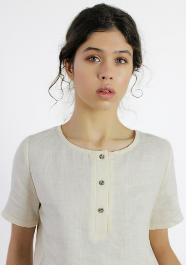 Line T-shirt with button detail Nina