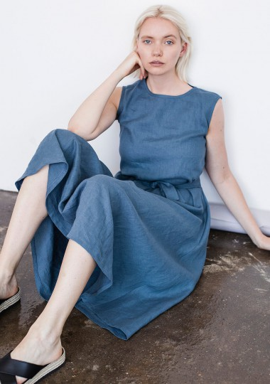 Linen dress Chloe in classic blue