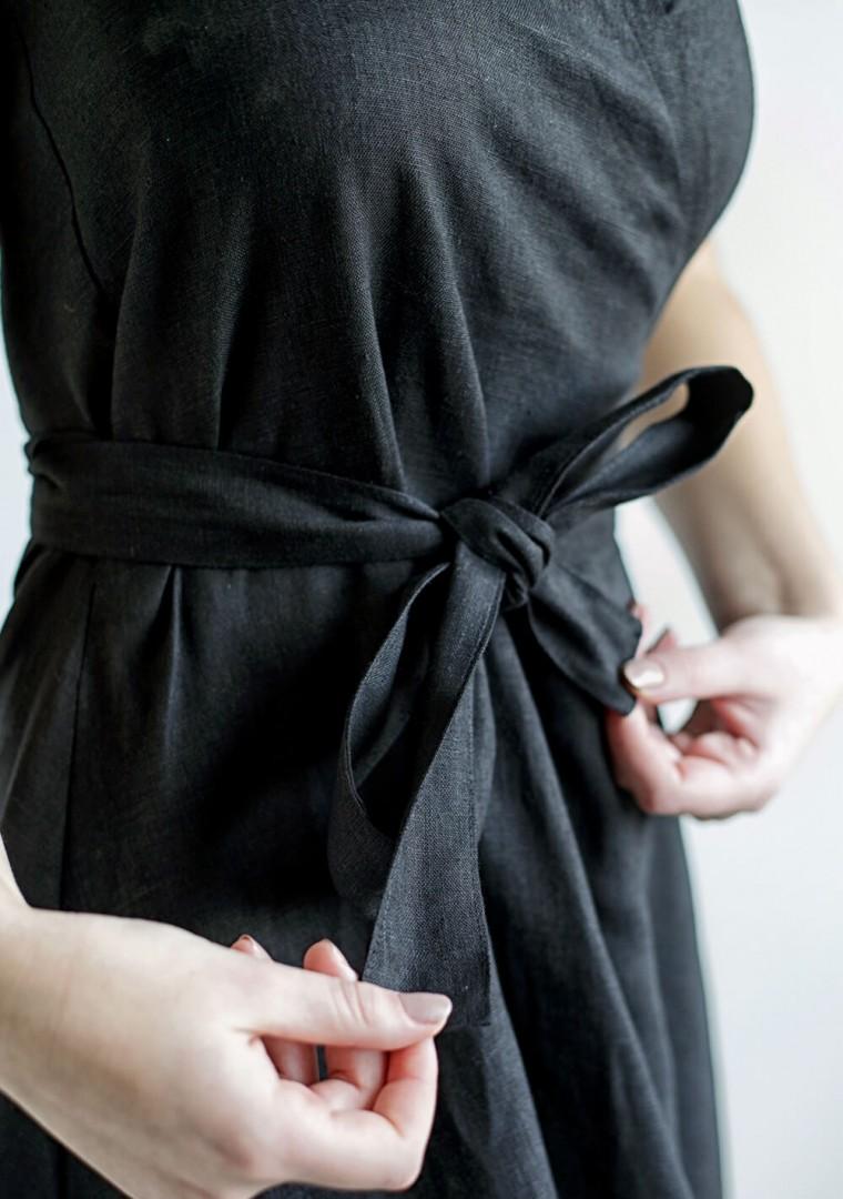 Linen halter dress Hazel in black 6