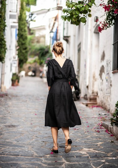 Linen dress Scarlett in black
