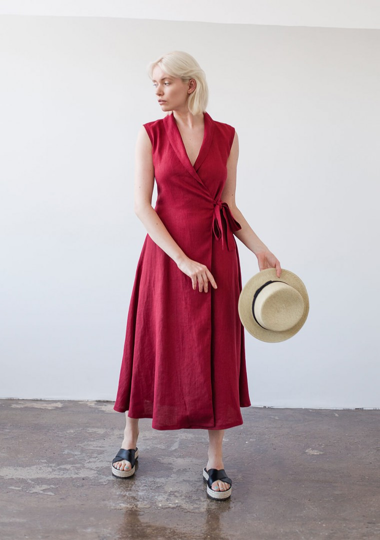 Sleeveless linen wrap dress Serena in ruby red 1