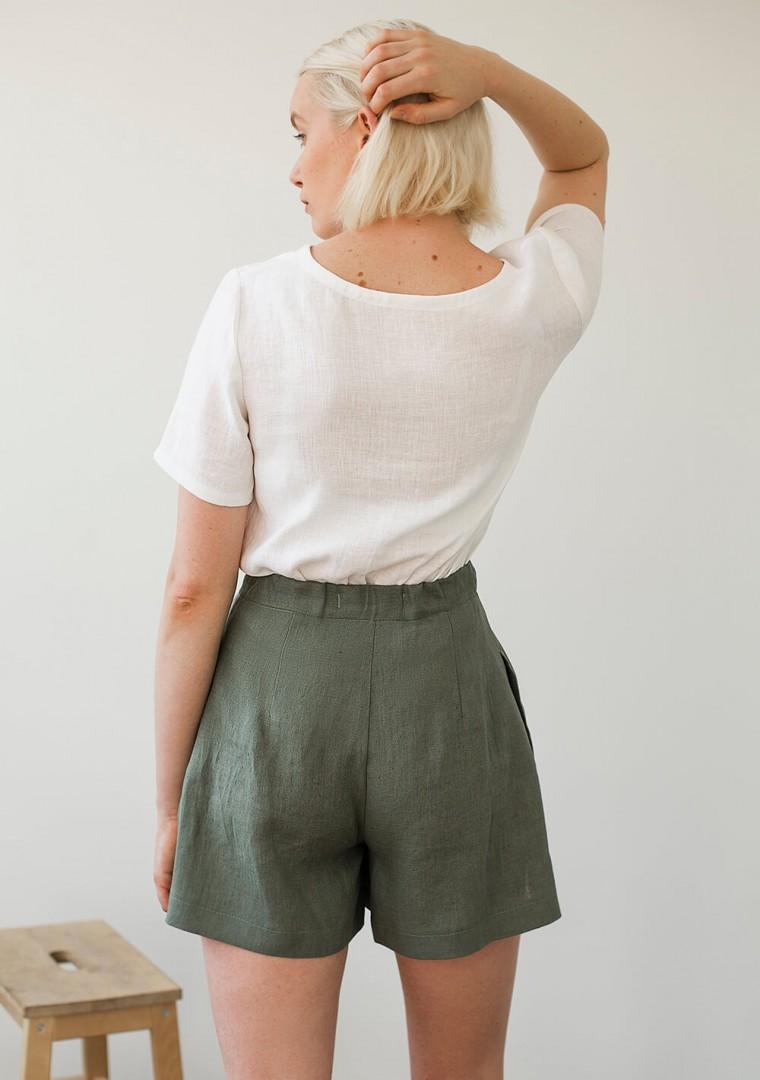 Linen shorts Agnes in moss green 6