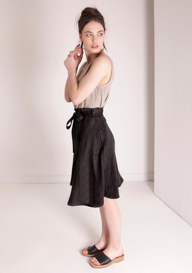 Flowy linen midi skirt Reign in black